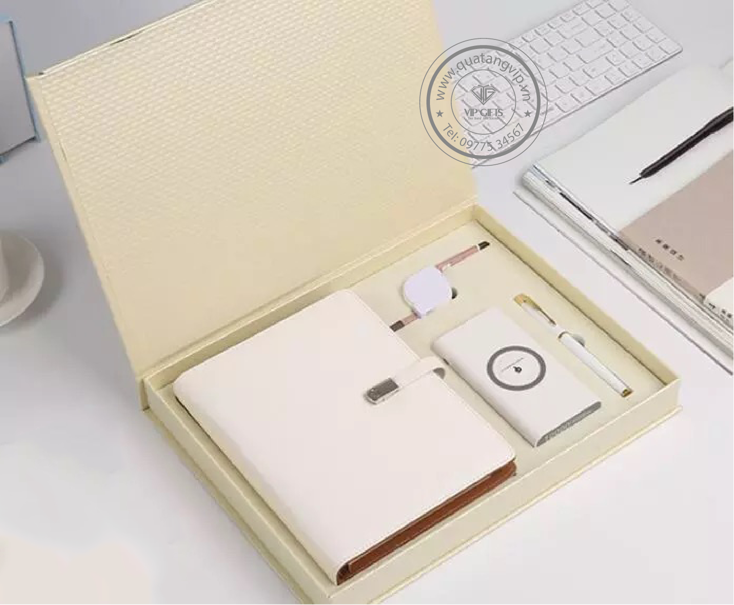 Bộ gift set quà tặng vip Sổ da bút và bình giữ nhiệt
