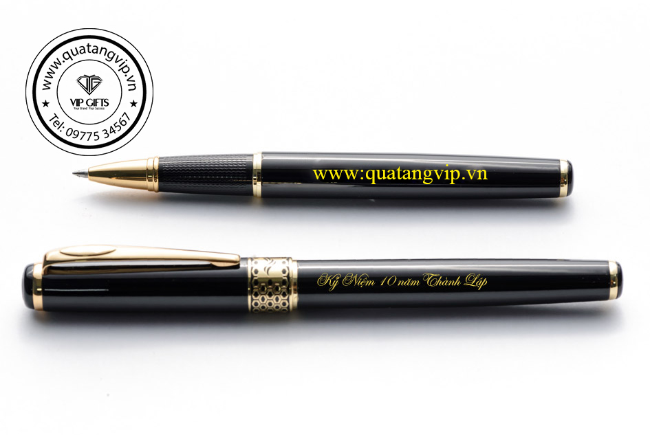 B68 bút kí hàng có sẵn in khắc logo quà tặng vip 01