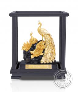 Biểu trưng mạ vàng 18
