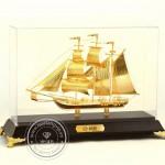Thuyền Buồm Mạ Vàng 02